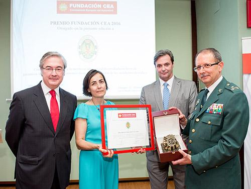 Fundación CEA concede su premio Seguridad Vial 2016 a la Agrupación de Tráfico de la Guardia Civil